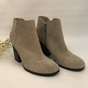 Kenneth Cole Mightiest Bootie NWOT Sz 10